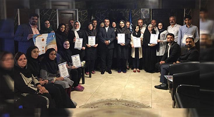 تقدیر از برگزیدگان جشنواره دانش آموزی این سینا