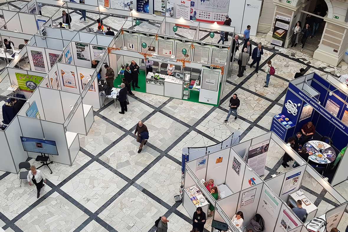 نمایی از نمایشگاه اختراعات کشور لهستان
