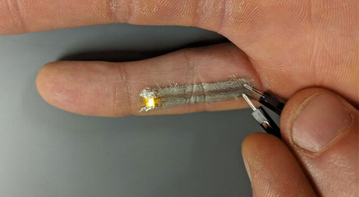 چاپ ۳بعدی تجهیزات الکترونیکی انعطافپذیر روی پوست انسان