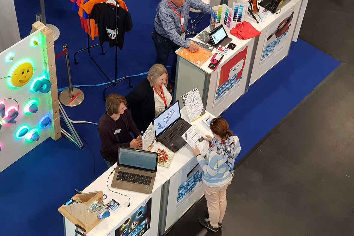 بازدید از اختراعات ارائه شده در نمایشگاه بین المللی اختراعات آلمان
