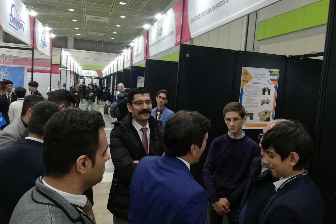 بازدید از اختراعات کشورمان توسط ریاست فدراسیون جهانی مخترعین (ایفیا)