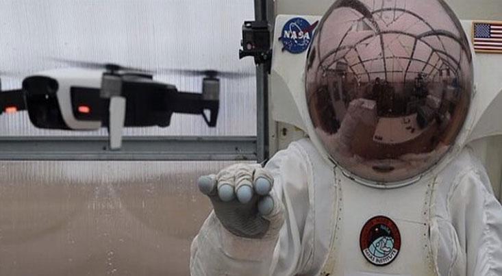 فضانوردان با دستکش هوشمند به مریخ می روند