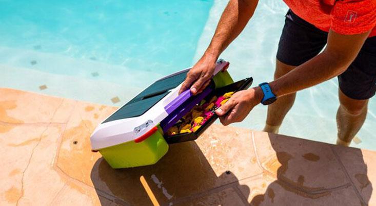 ابداع یک ربات شناور برای پاکسازی استخرها